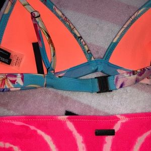 triangl swimwear Swim - Triangl Floral Bikini